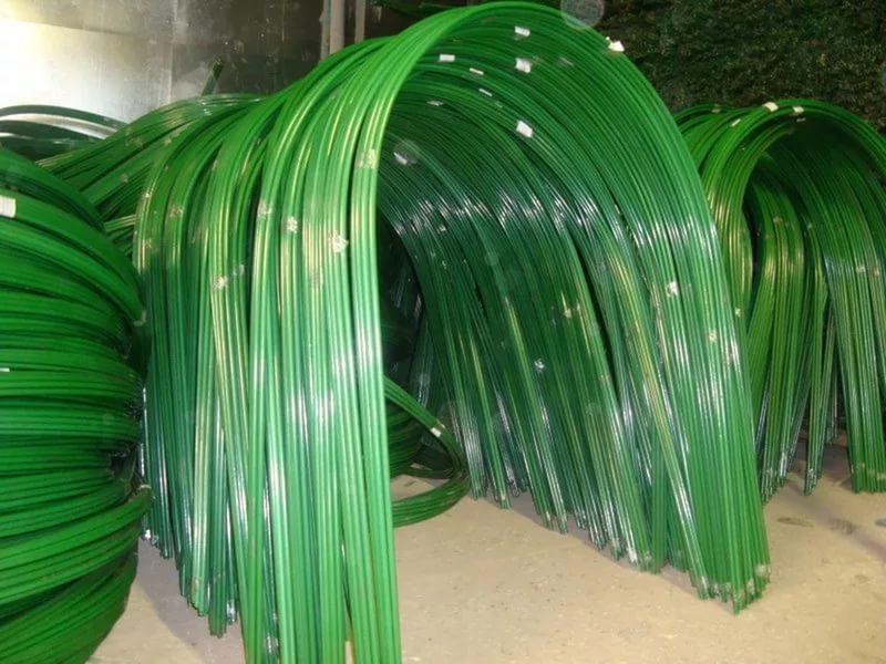 Теплица из пластиковых дуг